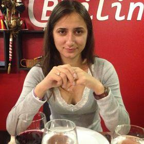 Andreea Naclad