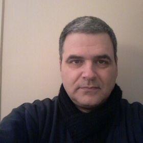 Γιάννης Σκουλάς
