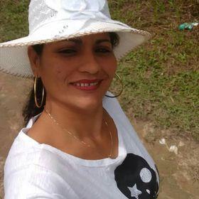 Adiane Gomes