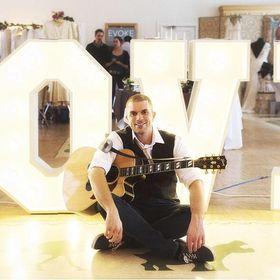 Pat McIntyre - Acoustic Guitarist + Singer