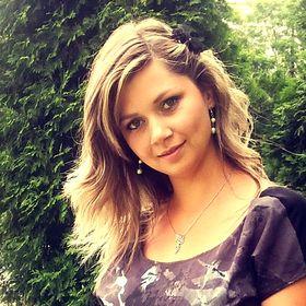 Lucie Vejmolova