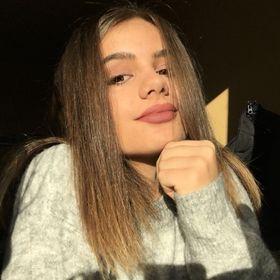 Nita Alexandra