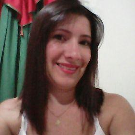 Naty Montaño