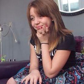 Eliza Arctic Monkey Reid