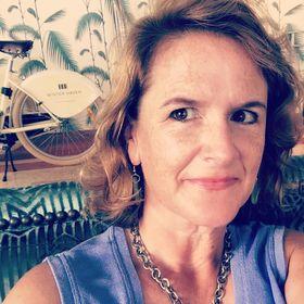 Jeanne Van Riper Hollington