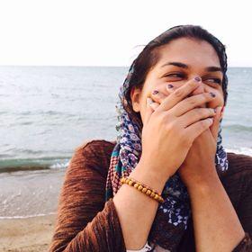 Syeda Tayyeba | Travel, Food & Design Blogger