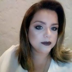 Carol V Lopes de Oliveira