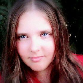 Лиза Тихомирова