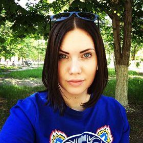 Лена Захарова