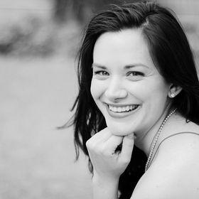 Megan // Traveler, Expat + Digital Nomad