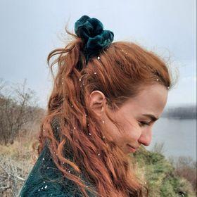 Viktória Anna Pintér