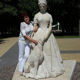 Veronika Komáromi