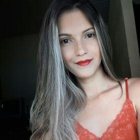 Aline Toledo