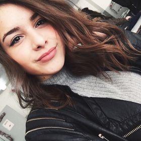 Ελένη Λυρώνη