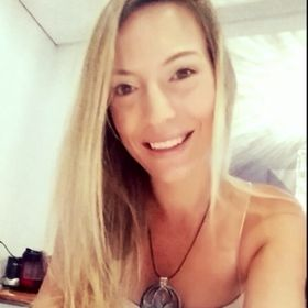 Hayley Pratten