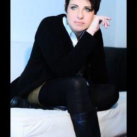 Katya Carvalho