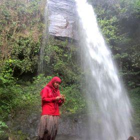 Hujan MeraHitam