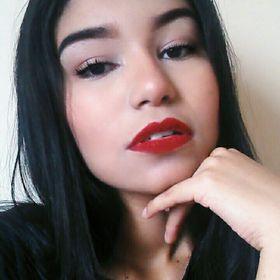 Thaina Bastos