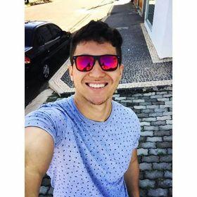 Eduardo Santana De Oliveira