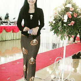 Dwi M Ajeng riyani