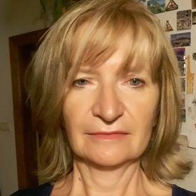 Eva Cselényiová