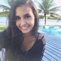 Mila Carvalho