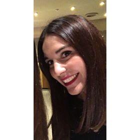 Cláudia Flores