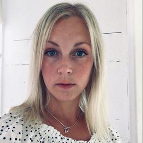 Josefine E Larsson
