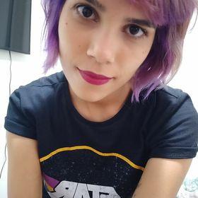 Julia Menezes