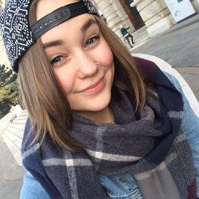 Roosa Ahlqvist