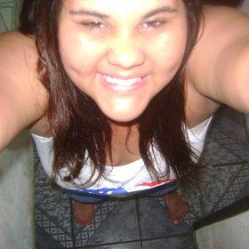 Caroliine Ferreira
