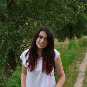 Andreea Cherestes