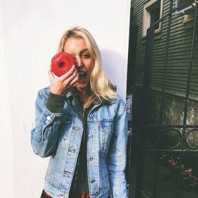 Lauren Ruef   Singles & Relationship Blogger