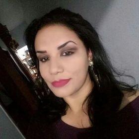 Flávia Araújo
