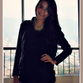 Daniela Valencia *