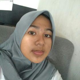 Aina Nadifa