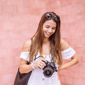 Amanda Campeanu | Product & Brand Photographer