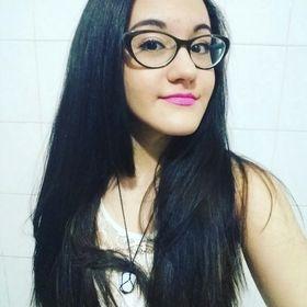 Livia Oliveira