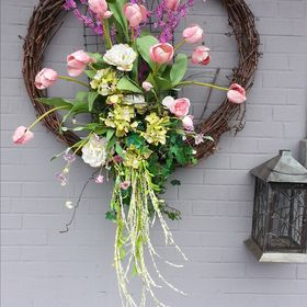 Plant Place & Flower Basket / Buffalo Wedding Florist