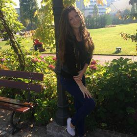 Alina Alyi