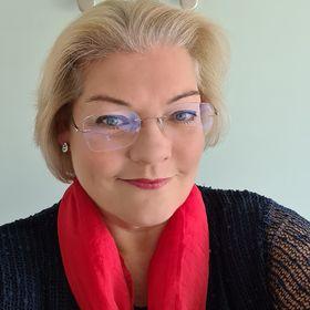 Mairi Louise Houldsworth
