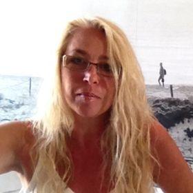 Skön avsugning svensk porr video