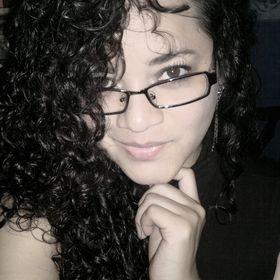 Isabelle Macias