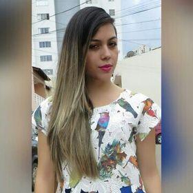 Larissa Freire