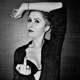 Eliza Roman