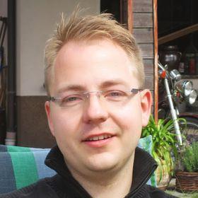 Lars Paschold