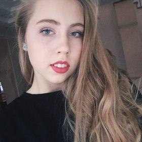 Лена Макарова
