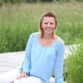 Author Amanda Zieba