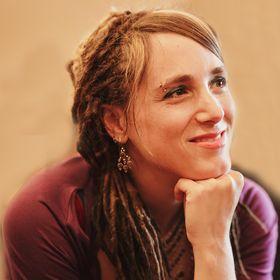 Elisa Di Napoli « Author, Holistic Hypnotherapist and Coach «