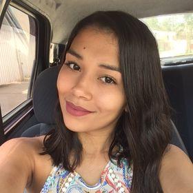 Thaina Braganca
